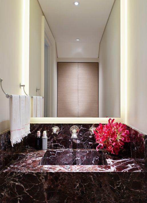 7.StudioIndigo_KensingtonIII_bathroom3