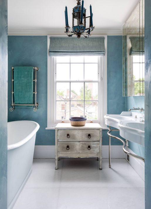 8.StudioIndigo_ListedTownhouse_bluebathroom
