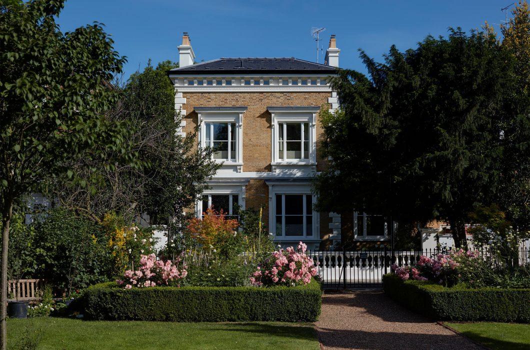 5.StudioIndigo_OldChelsea_front-garden
